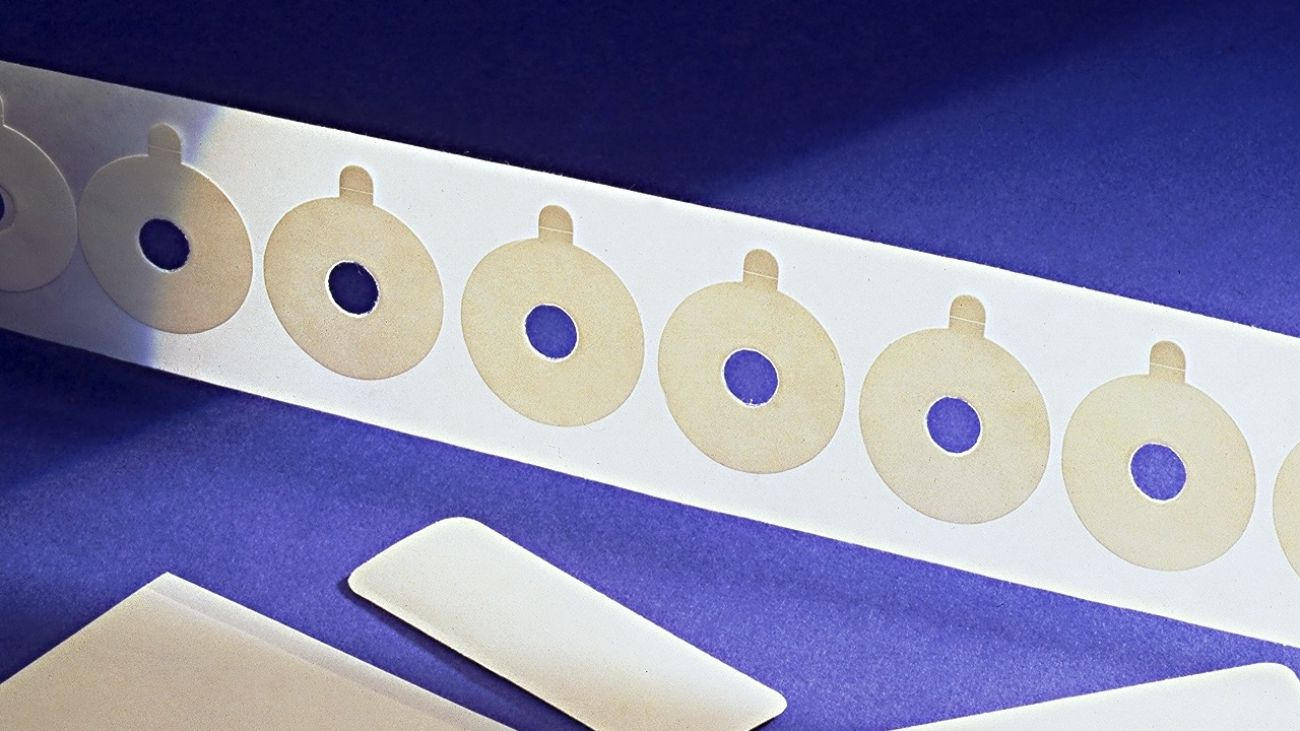 Double sided medical tapes